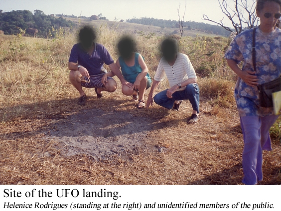 Site of the UFO landing. Helenice Rodrigues (standing at the right) and unidentified members of the public.